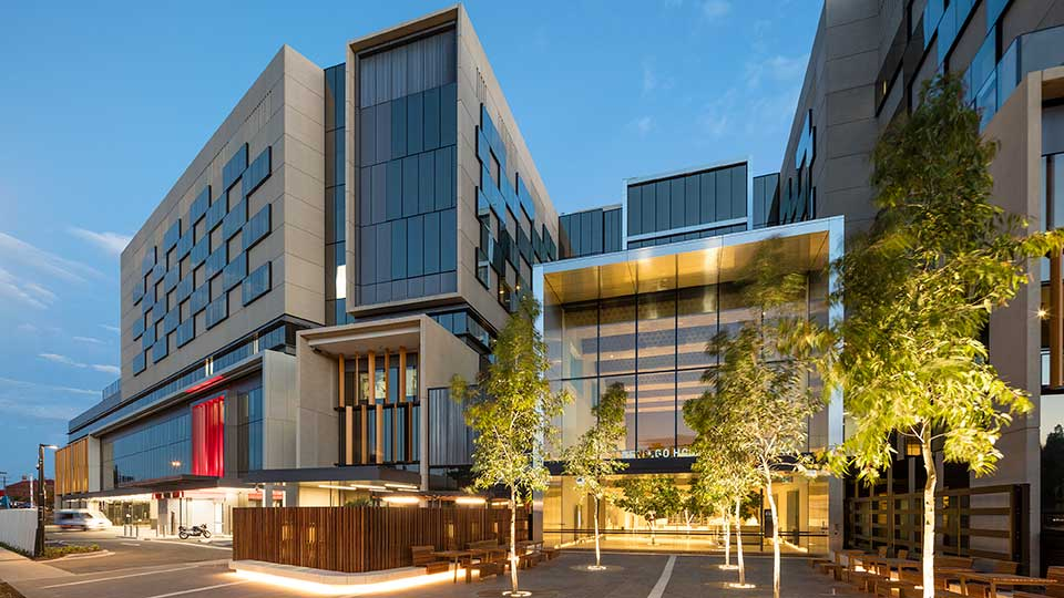 Tetra Tech's High Performance Buildings Group provided services for the new Bendigo Hospital in Victoria, Australia.