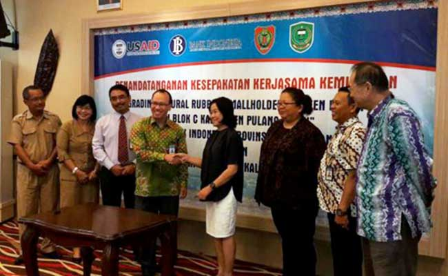 LESTARI team with Bank Indonesia, a PPP for community rubber rehabilitation in Katingan-Kahayan Landscape