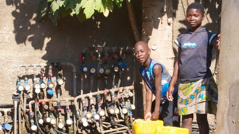 Tens of thousands of households in Mozambique's capital, Maputo, receive their domestic water supplies from private vend