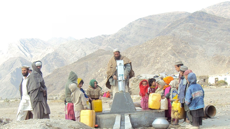 More than 4,725 residents use and manage this pumped source of clean drinking water in the village of Kunar.