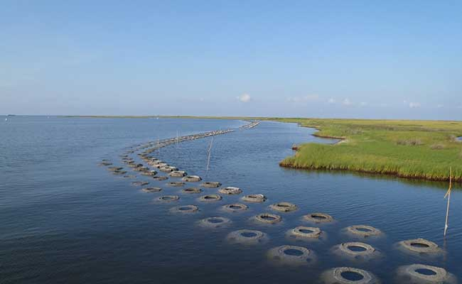 The Tetra Tech team designed shoreline protection features as a first line of defense for coastal Louisiana marshes