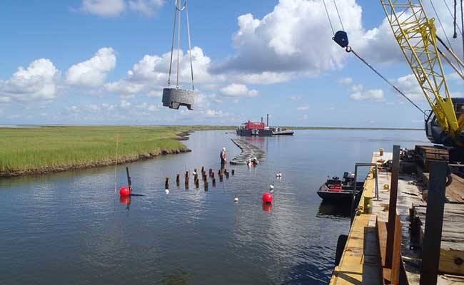 The Tetra Tech team used analytical and numeric modeling to evaluate reef breakwater product alternatives in Louisiana