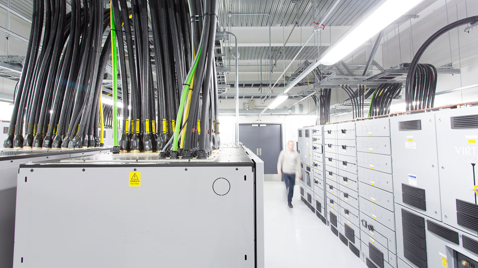 Using the latest generation of Uninterruptible Power Supply (UPS) on site, Tetra Tech experts separated the power for th