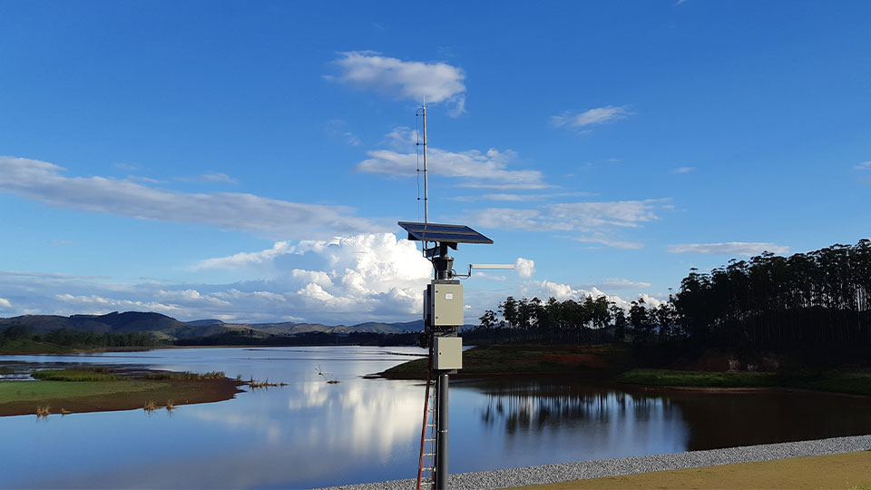 Seismic station from a microseismic monitoring system. This station stores part of the installed equipment in the field