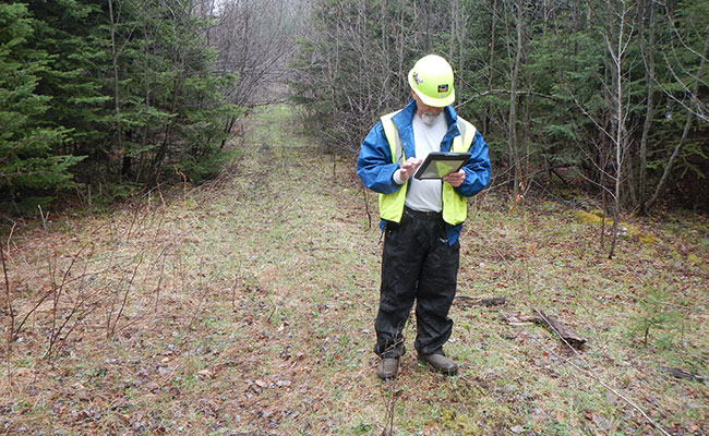 Tetra Tech conducts environmental assessment field data collection.