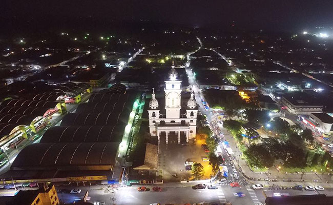 Municipality of Zacatecoluca with the new energy efficient street lighting system