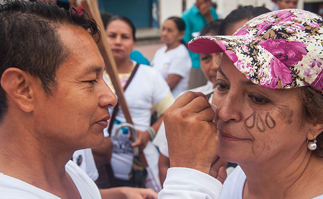 Putumayo residents preparing for a march to support peace