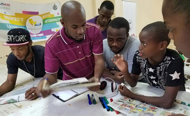 Youth work together in an Anti-corruption Workshop with iValue, implemented by a Police Youth Club initiative focused on