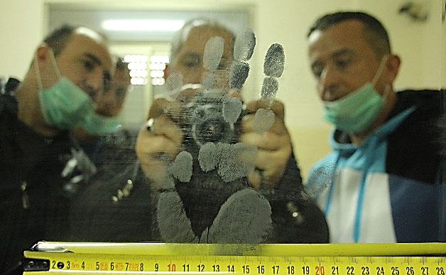 Palestinian police using new fingerprinting technologies
