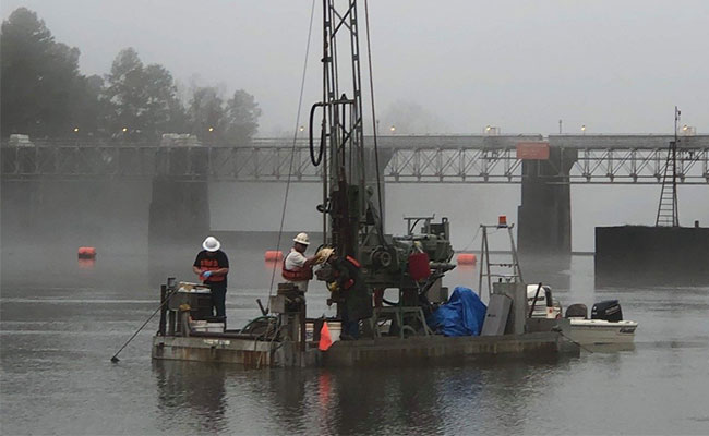 Tetra Tech staff complete a geotechnical survey of bed sediments in the Savannah River.