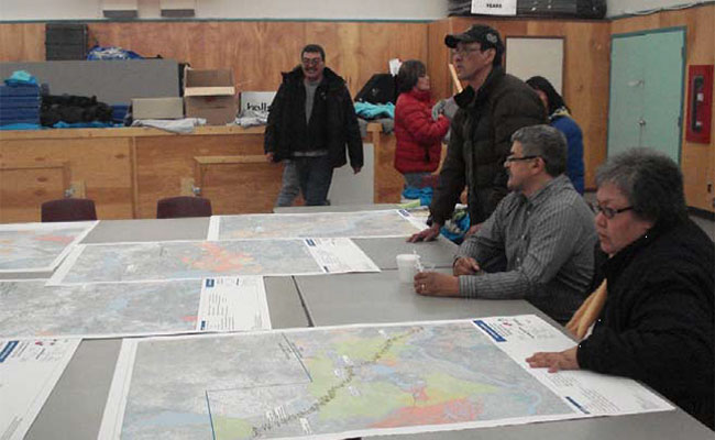Nehtruh-EBA conducting community consultations for the Mackenzie Valley Highway om Aklavik, Northwest Territories