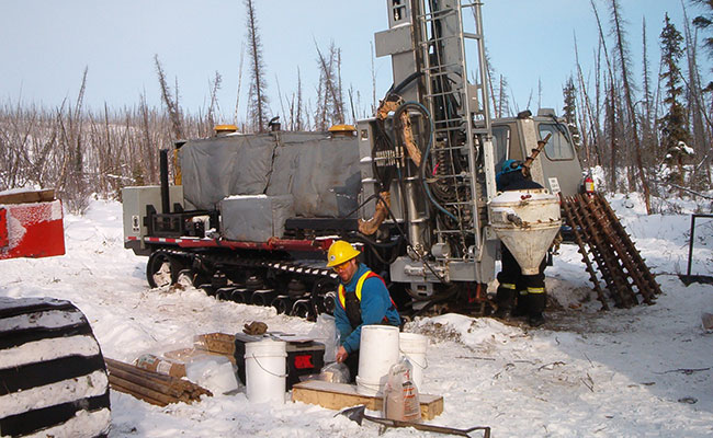Nehtruh-EBA working on Mackenzie Gas Pipeline Project, Thunder River Valley