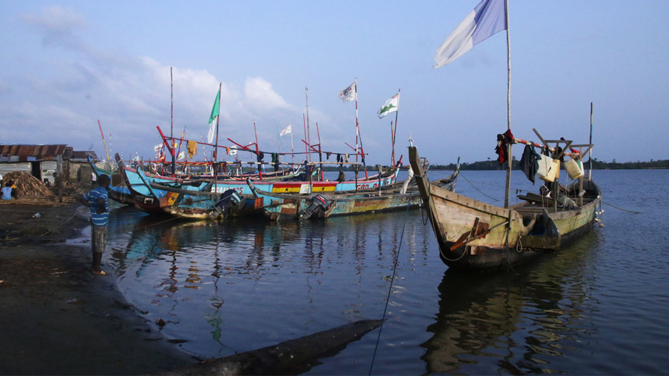 View of Ghanaian fishing fleet that Tetra Tech is aligning with ecological carrying capacity.